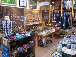 アジア雑貨 MAI-MAI 店舗内風景